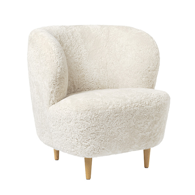 Gubi     Stay Lounge Chair Sheepskin Small With Legs