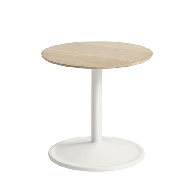 Muuto  |  Soft Side Table Oak/Off-White