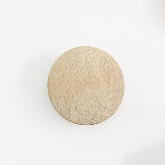 Muuto small dot  in oak