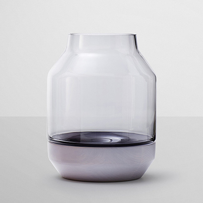 Muuto Elevated Vase in Grey
