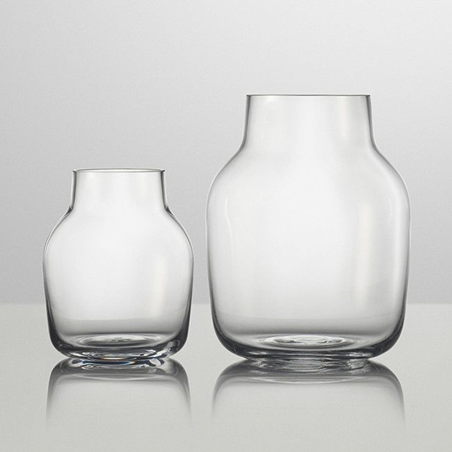 Muuto Silent Vase in clear