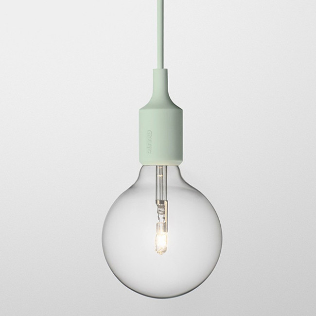Muuto E27 pendant lamp in light green