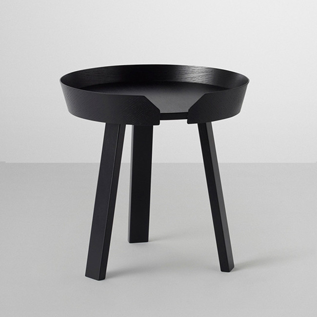 Muuto  |  Around Coffee Table Small Black