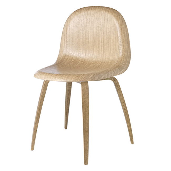 Gubi 5 Chair in Oak Seat with Oak base