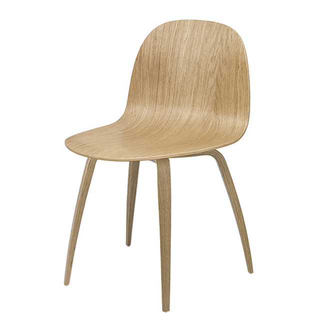 Gubi 2D 5 Chair in Oak