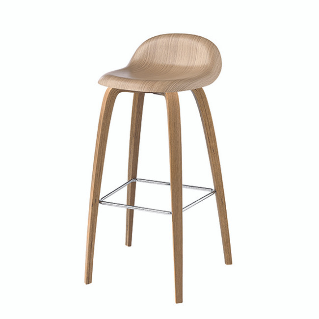 Gubi 3DA Barstool in oak seat / oak base