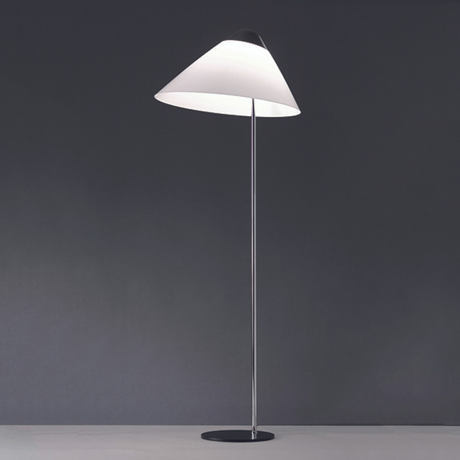 Hans J. Wegner, Opala Floor Lamp in black/chrome