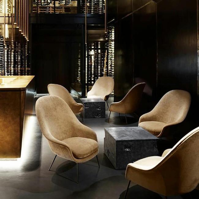 Gubi Bat Lounge Conic Chair High