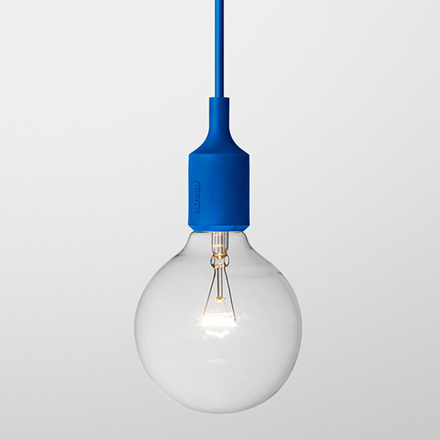 Muuto E27 pendant lamp in blue