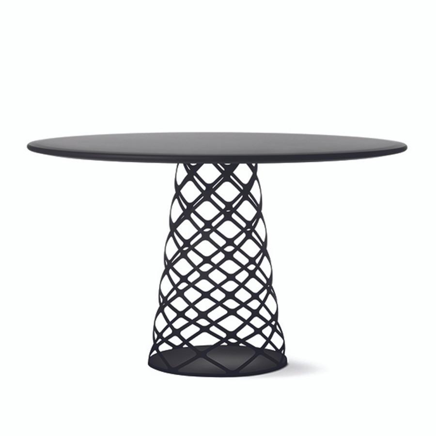 Gubi Aoyama Table in Black