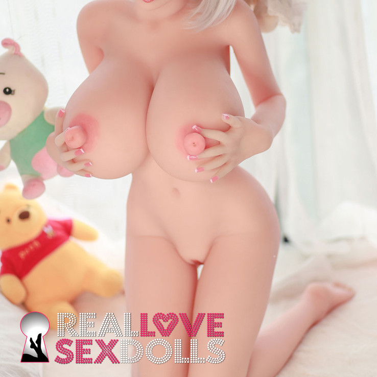 4ft10 big tit sex doll with fuckable nipples!