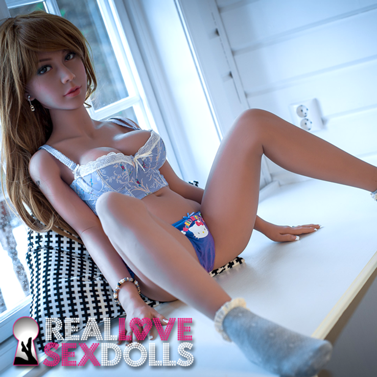 Beautiful 140cm D-cup love doll London