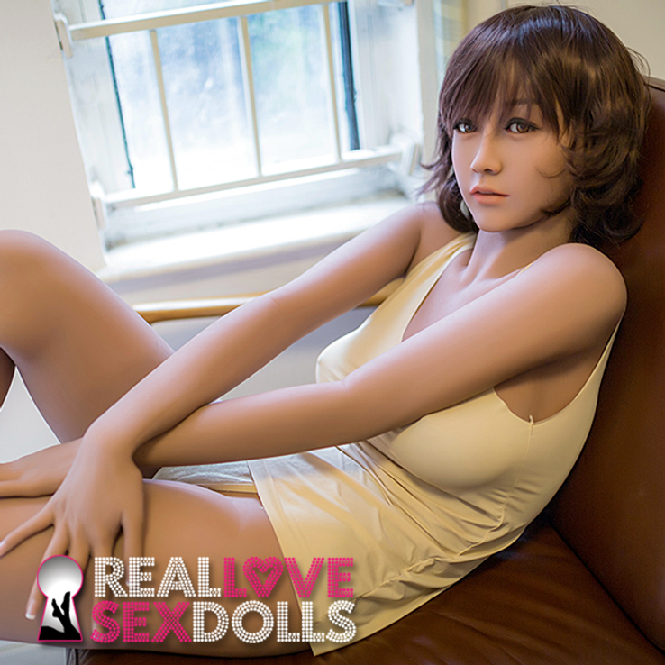 Slinky chill girlfriend with shrugging shoulder sexy life-like TPE sex doll 163cm C-cup Blair