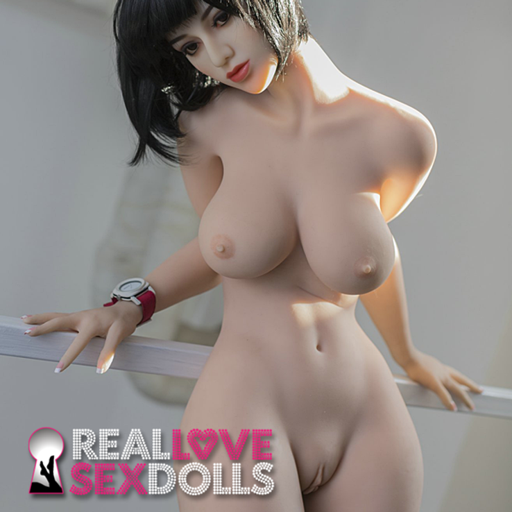 Hot tryst with sexy high-quality TPE love doll 170cm D-cup Harper