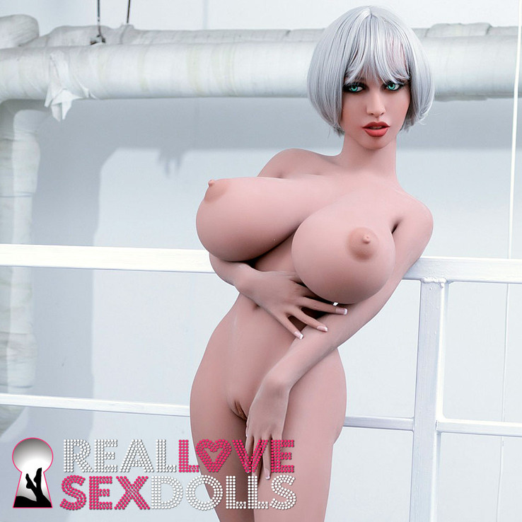 Sex doll with giant tits and tight bubble butt high-quality TPE  148cm L-cup Ursula