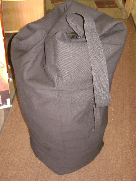 "Black 25"" x 42"" Topload Duffle Bag"
