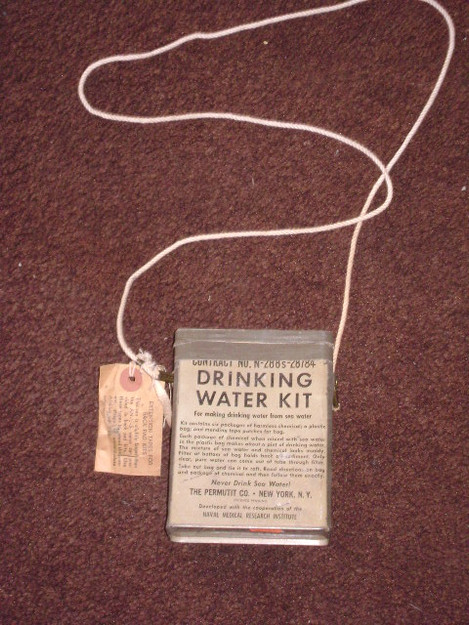 WWII U.S. Navy Drinking water Kit (empty)