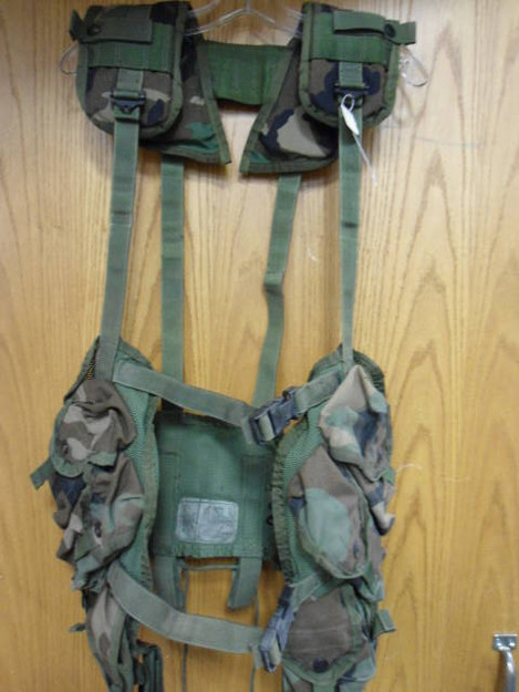 U.S. Military Tactical Load Bearing Vest