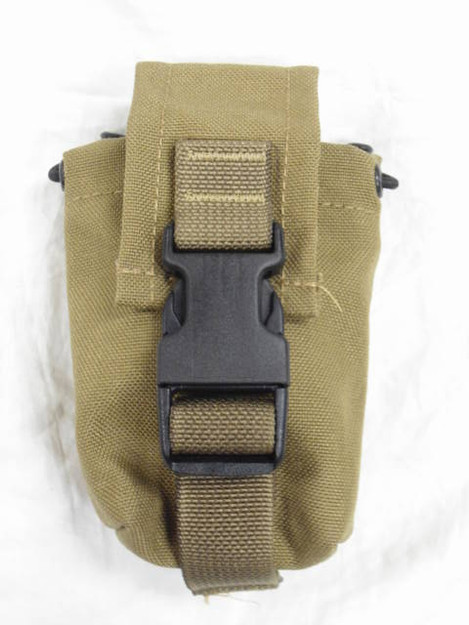 U.S. Marine Corps Chemical Flash Bang Grenade Pouch