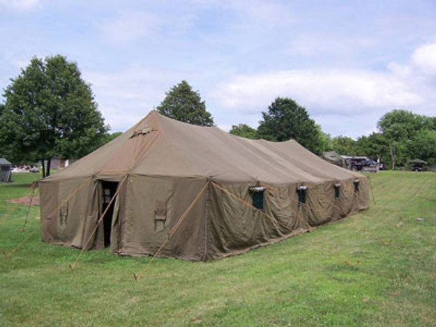18x52 Tent with Poles (New)