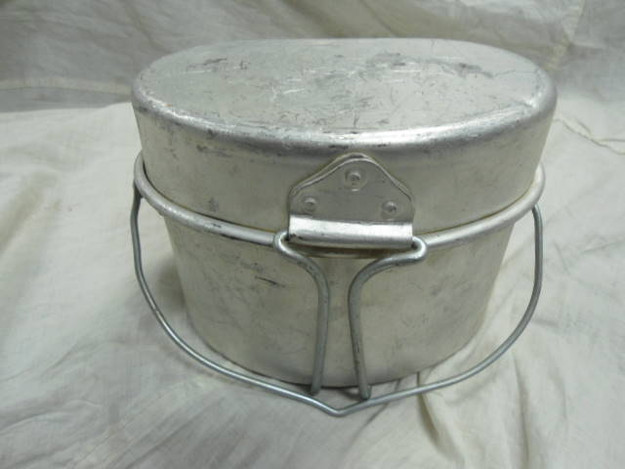 European Aluminum Mess Kit (used)
