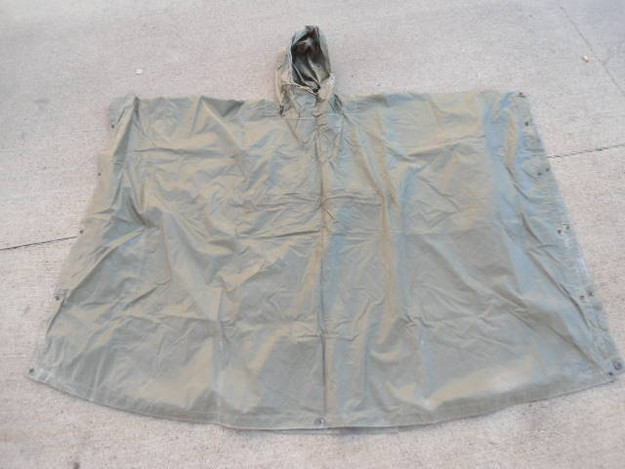 US Military Coated Nylon Poncho (OG 207)