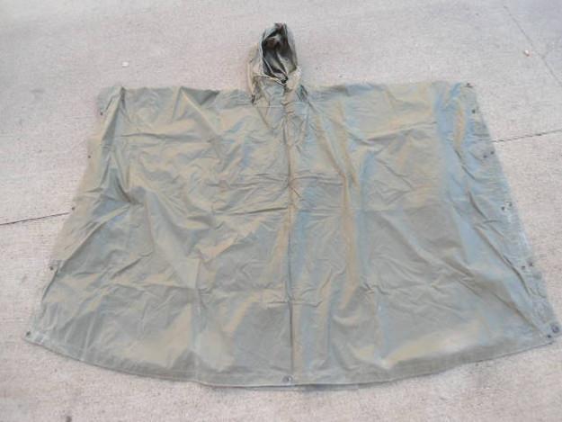 US Military Coated Nylon Poncho (OG 207)