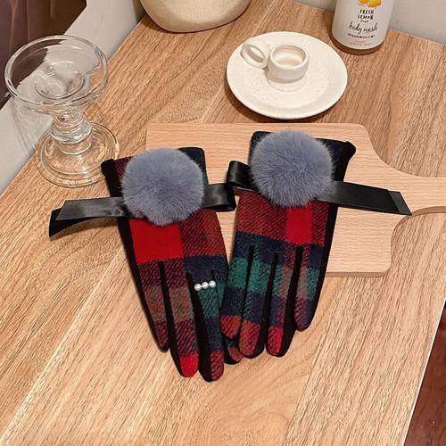 Plaid Pom Pom Cashmere Fashion Gloves