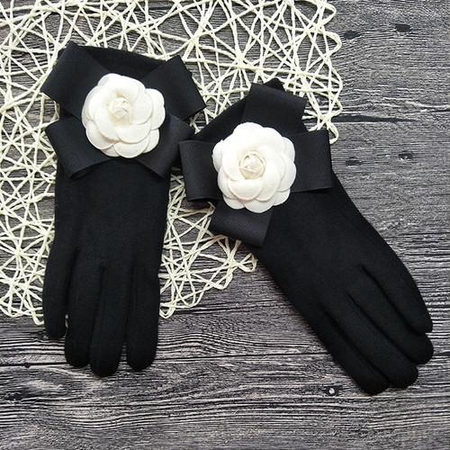 White Rose Cashmere Gloves