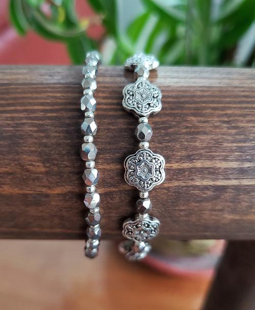 Silver Flowers Bracelet Set