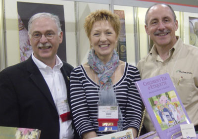 Bruce Richardson and Jane Pettigrew, authors of The New Tea Companion, pose with The Tea Smith owner Tim Smith at the 2008 World Tea Expo.