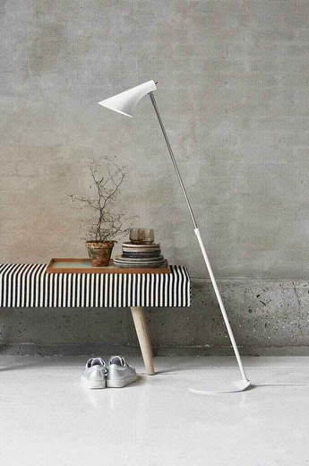 Vanila Adjustable White and Chrome Floor Lamp