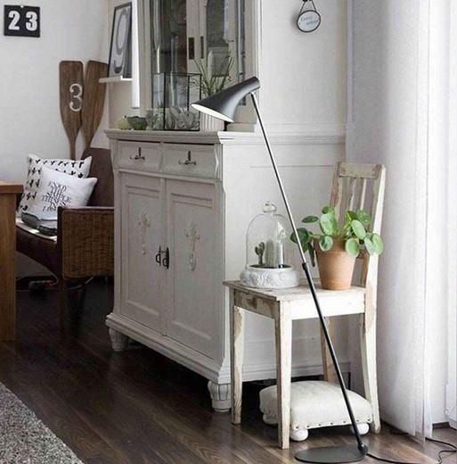 Vanila Adjustable Black and Chrome Floor Lamp