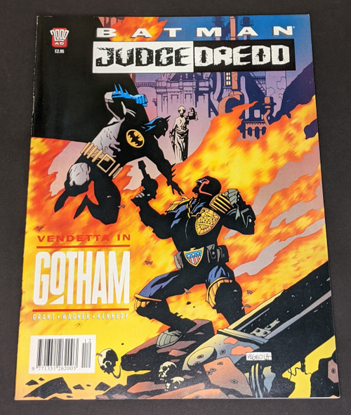 Batman & Judge Dredd: Vendetta In Gotham - 1993 - 2000 AD Comic - VG