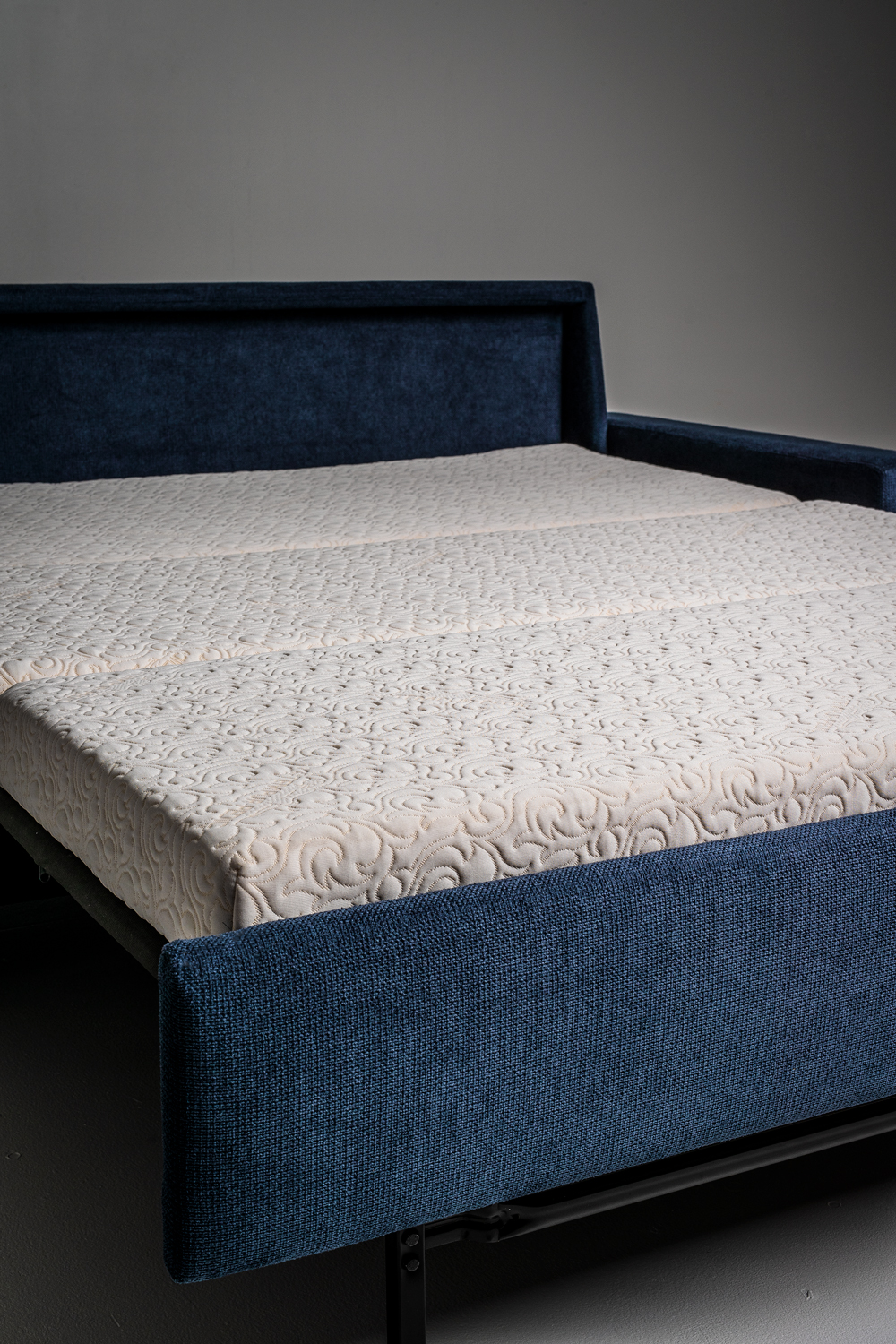 - Buying Guide: The Sleeper Sofa Doesn't Have To Be An Oxymoron