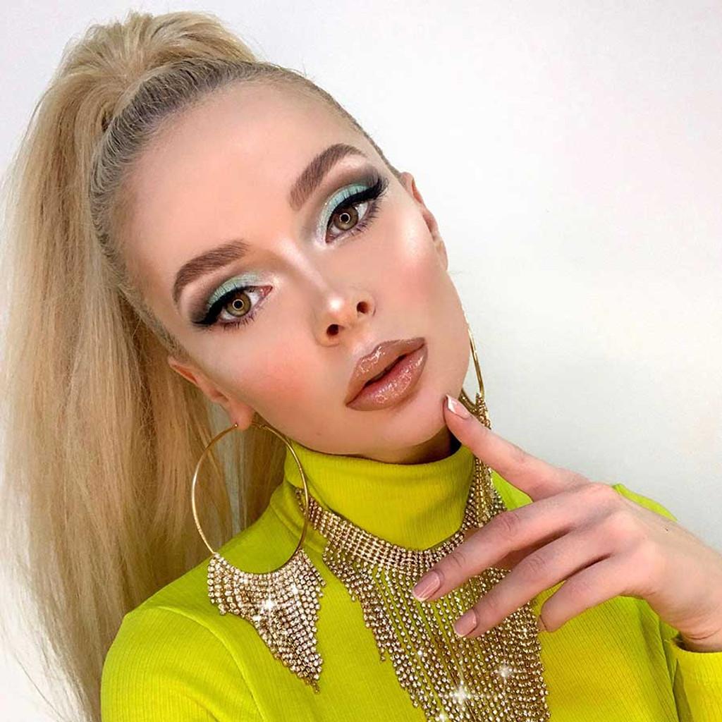 Peach nude lip gloss by Dawes Custom Cosmetics. Shade In The Buff. Model Yana Weiman.