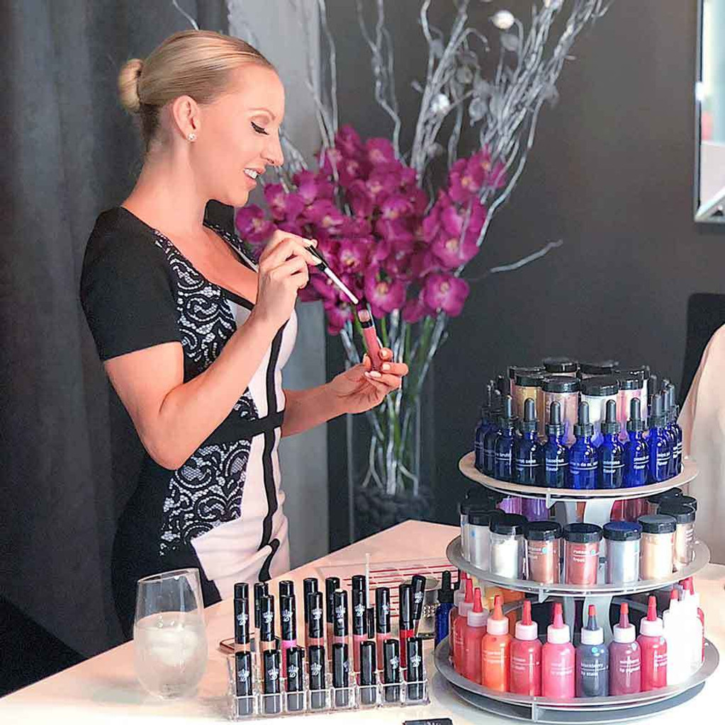 Dawes Custom Lipstick Bar Las Vegas comes to your location. Custom blend lipstick with Dawes Custom Cosmetics. Let the party begin!