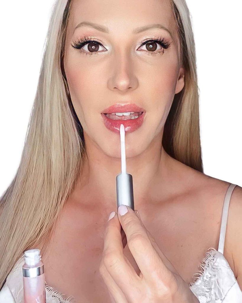Lip plumper clear lip gloss moisturizing, anti-aging Dawes Custom Cosmetics