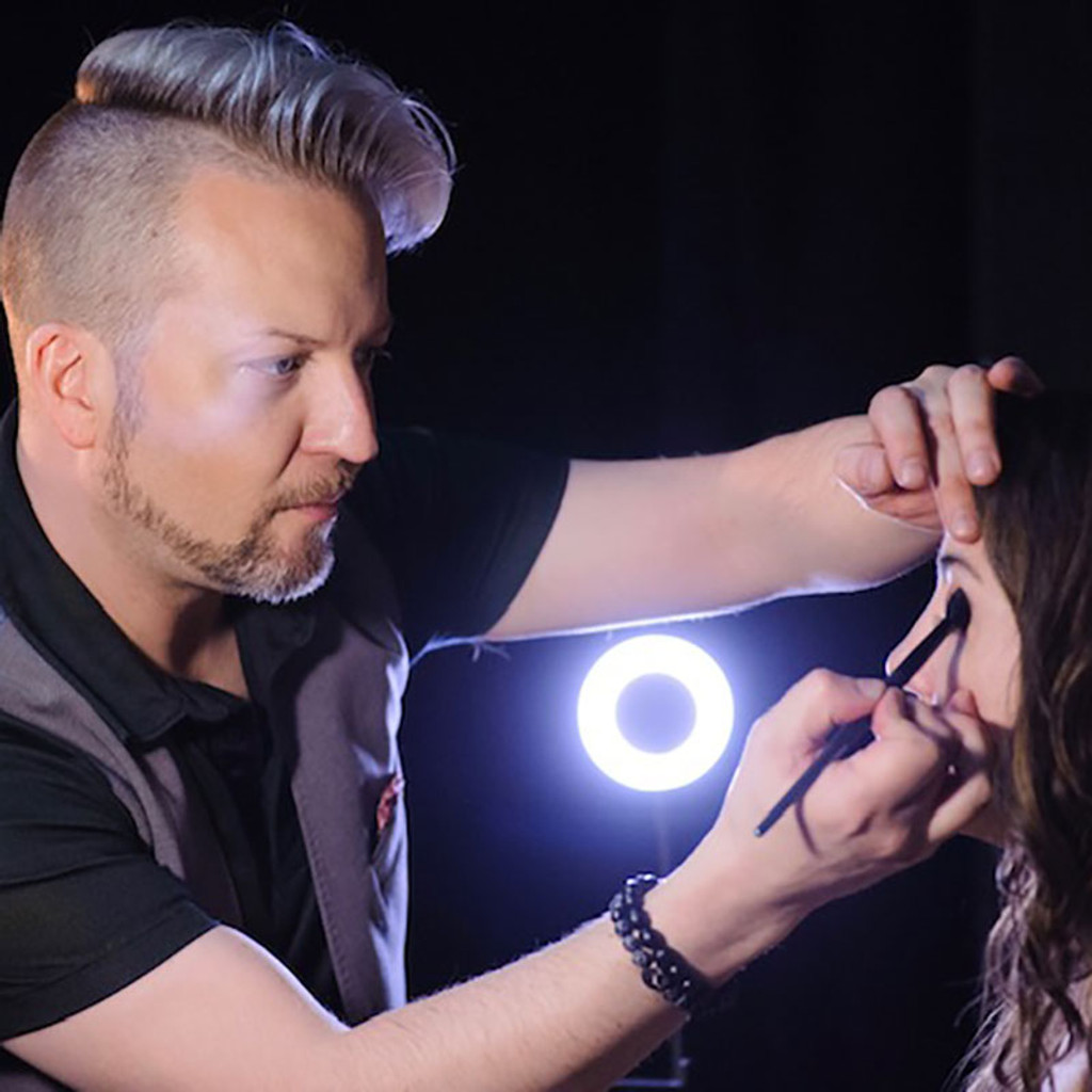 Jonathan Nelson Dawes Custom Cosmetics Master Color Artist