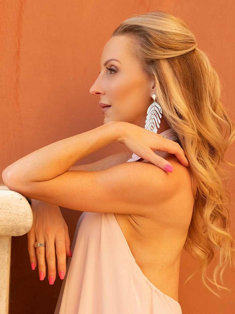 Luxury cruelty free custom cosmetics model Eve Dawes