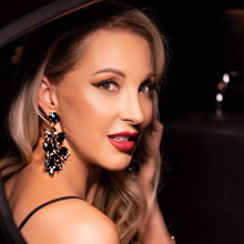 Custom Lip Bar Las Vegas leaves you ready for your big night out in Vegas by Dawes Custom Cosmetics