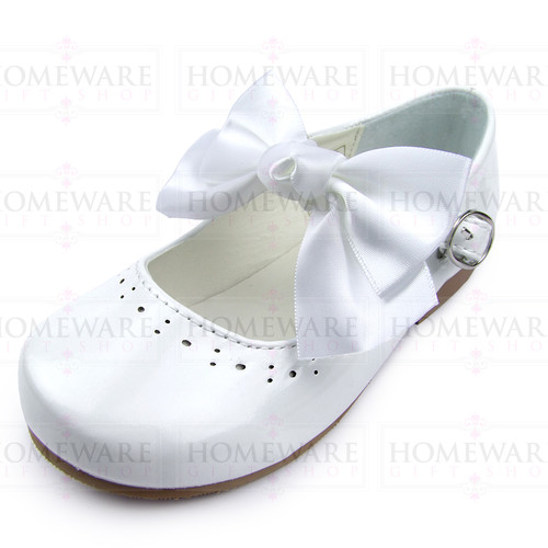 Girls Spanish Style White Patent Mary Jane Shoes With Pretty Removable Bow