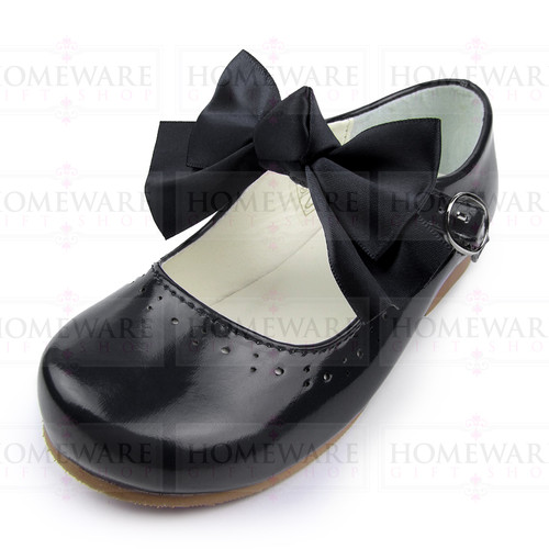 Girls Spanish Style Black Patent Mary Jane Shoes With Pretty Removable Bow