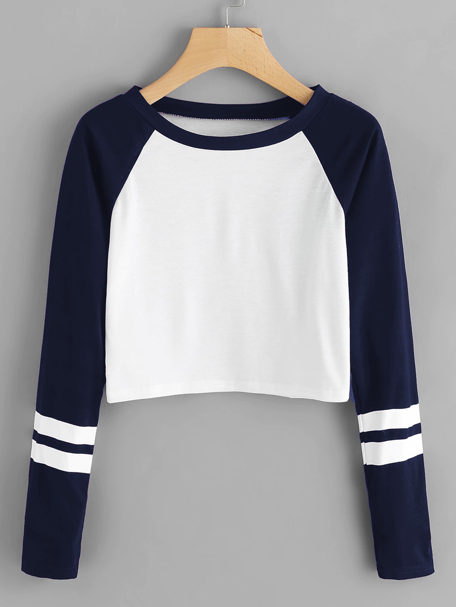 706fe073a Fifth Avenue Women s Raglan Full Sleeve Sleeve Striped Crop T-Shirt - Navy  Blue and White