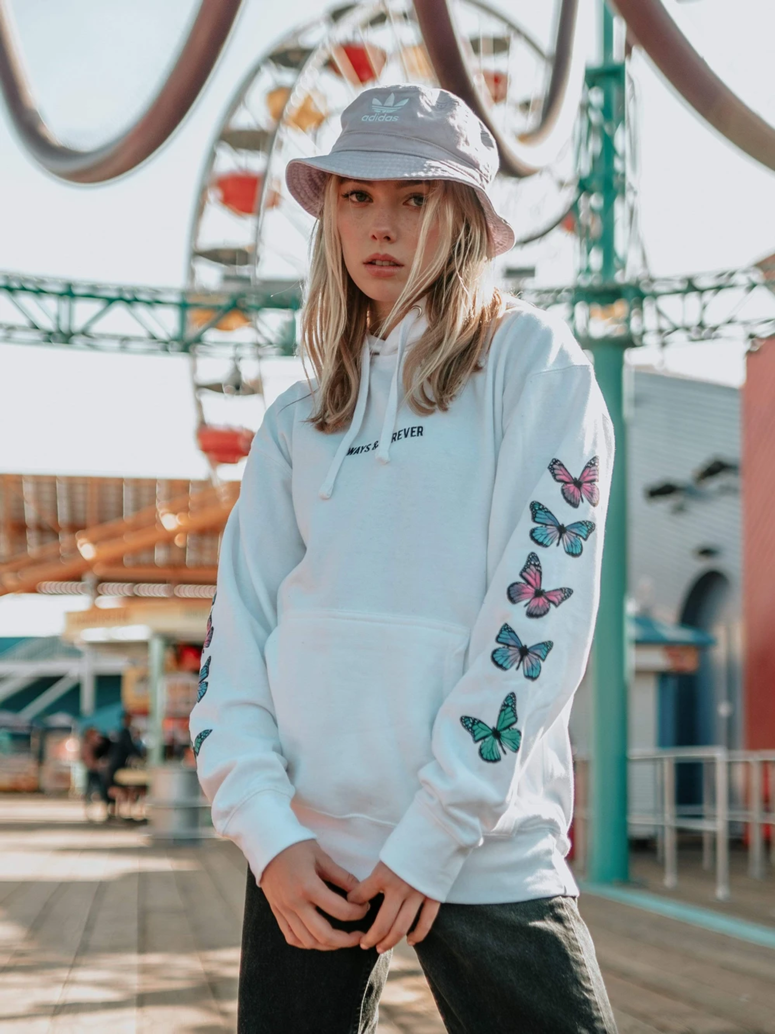 Fifth Avenue DIFT80 Always And Free Butterfly Print Hoodie - White
