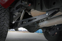 07-18 Chevy/GMC 1500 4WD Traction Bar Kit mounted side view