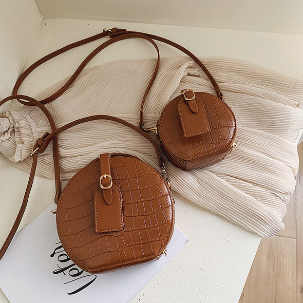 Wild small round bag - Color: Brown, Size: L
