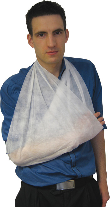 Triangular Bandage Non-Woven being used