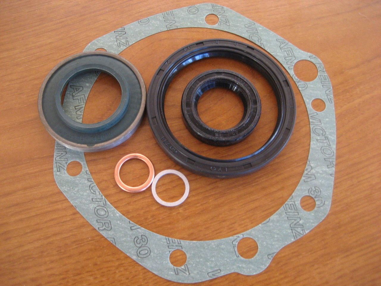 BMW R26-R27 REAR DRIVE GASKET SET COMPLETE SET WITH ALL SEALS NEW SET - 33 11 0 000 002