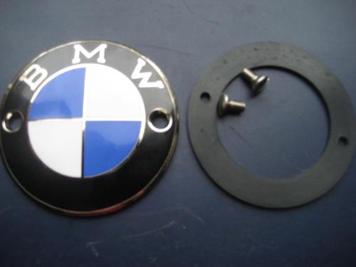 GENUINE BMW NEW ENAMELTANK BADGE EMBLEM W/RUBBER GASKET AND SCREWS FITS R26-R69S